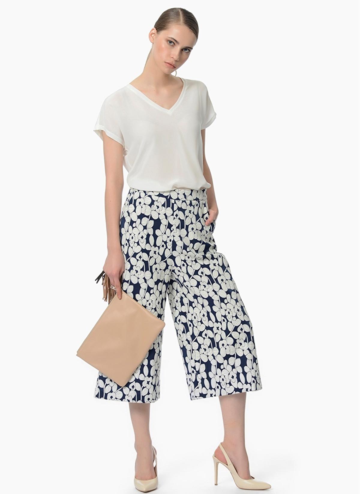 8f8bd7a43f9b2 NetWork Kadın Desenli Kapri Pantolon Lacivert-Beyaz | Morhipo | 18377551